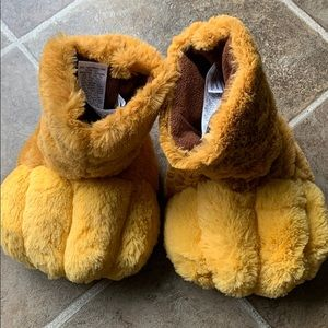 Disney Lion Guard slippers size 11/12